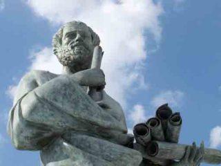 Diferencias entre Platon y Socrates